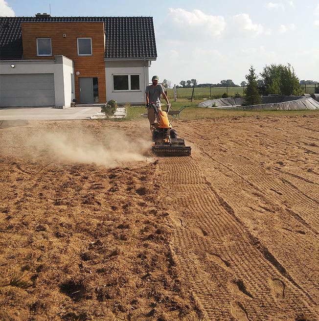 przygotowanie gleby pod trawnik siany